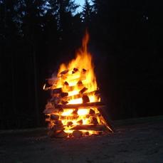 Feuerlauf-Ausbildung -  Der mystische Pfad in die Weiblichkeit